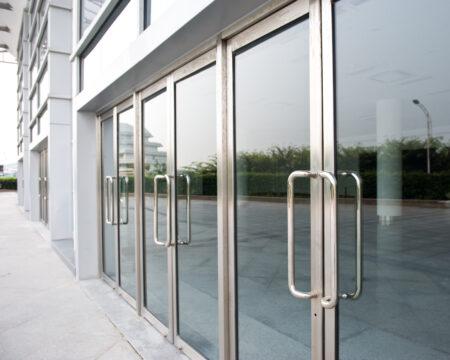 puerta comercial